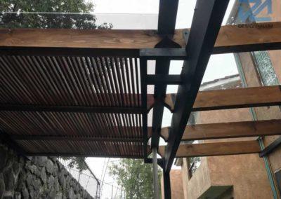 Designalum-domo-cristal-madera-corredizo