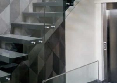 designalum-barandal-cristal-templado-escaleras-4