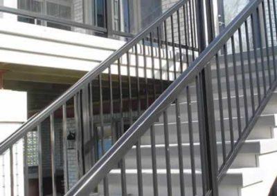 designalum-barandal-cristal-templado-escaleras-exteriores