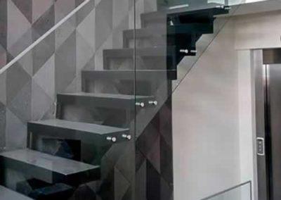 designalum-barandal-escaleras-cristal-templado