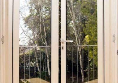 designalum-puertas-y-ventanas-puerta-balcon